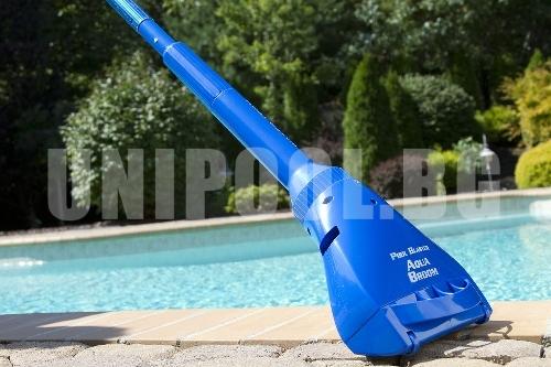 Подочистачка Pool Blaster® Aqua Broom Ultra